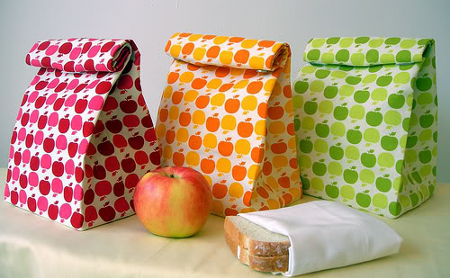 the goodlaff girl tutorial twosday lunch bag revolution. Black Bedroom Furniture Sets. Home Design Ideas