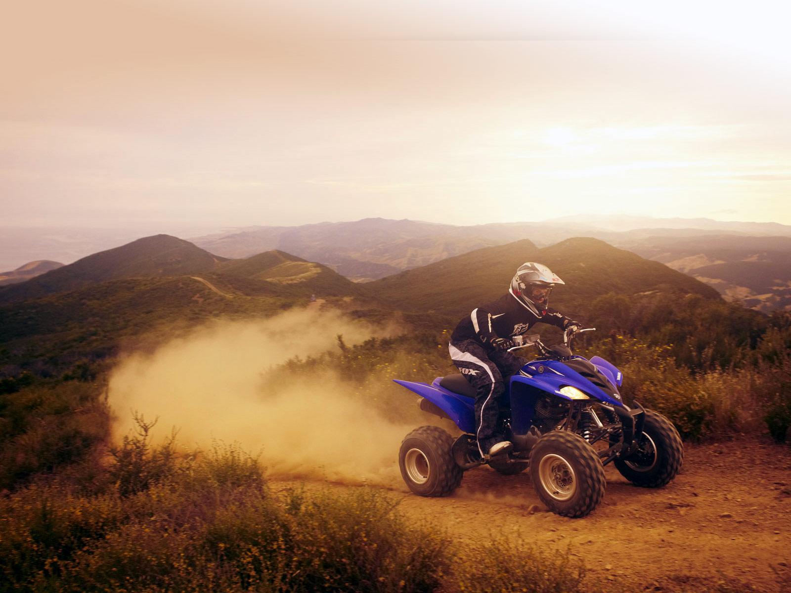 http://4.bp.blogspot.com/-Tnvh3oUDG68/TWeEKbB5OnI/AAAAAAAAA2A/o4ad56fbAVc/s1600/2011_Yamaha_Raptor_350_ATV-pictures_2.jpg