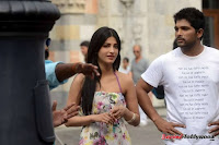 Allu Arjun Shruthi Hassan Race Gurram Movie New Working Stills+(6) Allu Arjun   Race Gurram Latest Working Stills