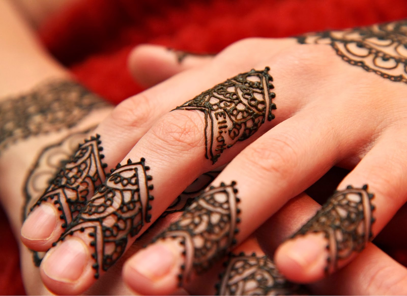 Latest Fingers Mehndi Designs : Best mehndi designs latest and beautiful fingers design colourful glitter