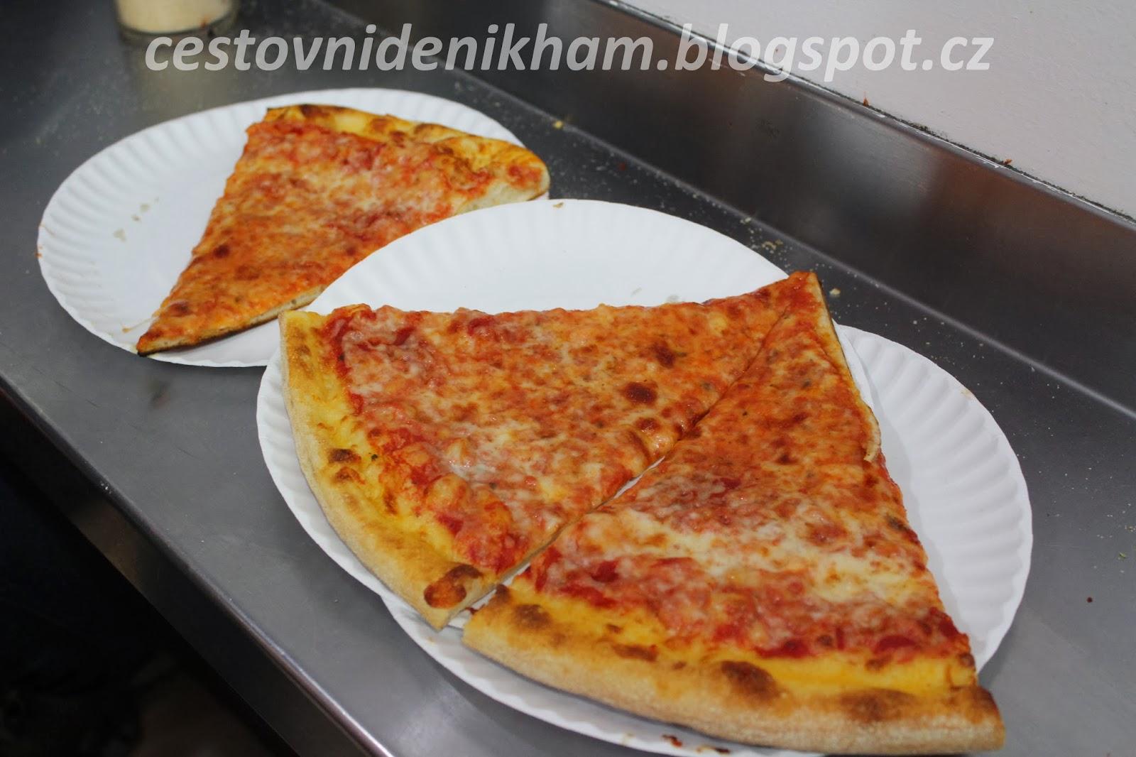 sýrová pizza // cheese pizza