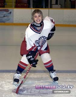 Justin Bieber hockey 2011