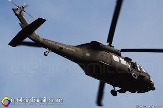 Helicóptero UH-60 Blackhawk con matricula FAC4108 sobrevolando los alrededores del aeropuerto internacional Jose Maria Cordova.