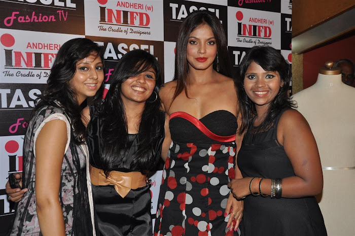 neetu chandra at the tel designers awards 2012 by inifd.