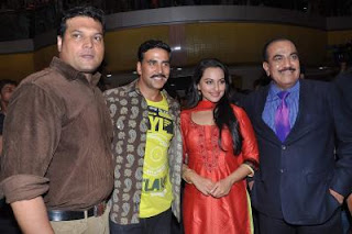 Akshay Kumar Sonakshi Sinha promote Rowdy Rathore on CID
