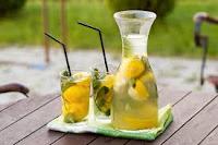 Khasiat Ajaib Minum Segelas Air Lemon Di Pagi Hari