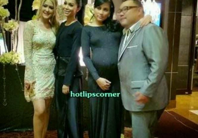 Seksinya Eina Azman di majlis perkahwinan Erin Malek