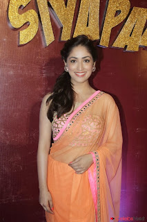 Actress Yami Gautam Pictures in Saree at Total Siyapaa Trailer Launch  0008