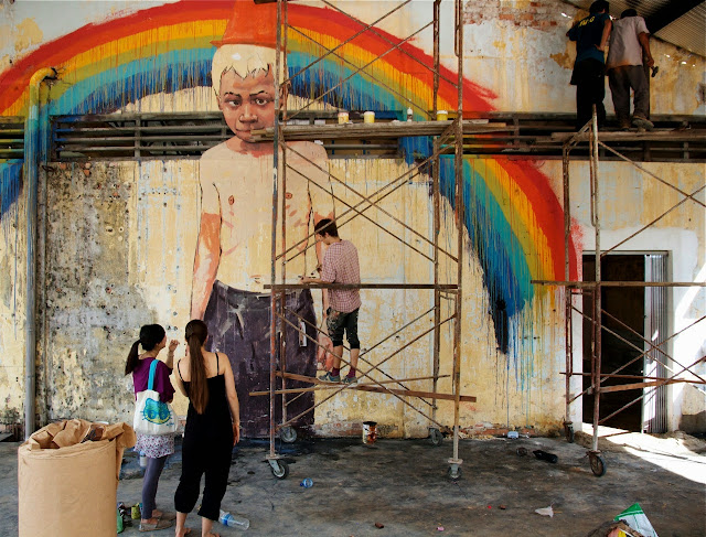 Part 1 of Henrik Haven's comprehensive Ernest Zacharevic coverage in Penang Malaysia. New Solo Show: Behind the scenes 1