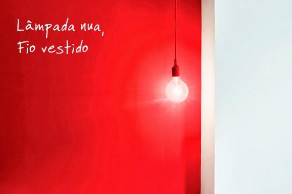 lâmpada sem lustre - fio e bocal colorido - faça você mesmo - ideia de iluminação - custa quase nada