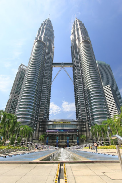 Another full view of Petronas Twin Towers near the fountain in Kuala Lumpur, Malaysia