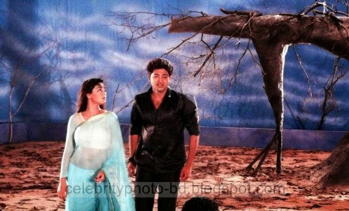 Mahiya+Mahi+and+Bappy+Chowdhury's+Some+Romantice+Hot+Photos+Latest+Collection+From+Bangla+Movie+Honeymoon+(2014)011