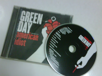 Green_Day-American_Idiot-2004-DeBT_iNT