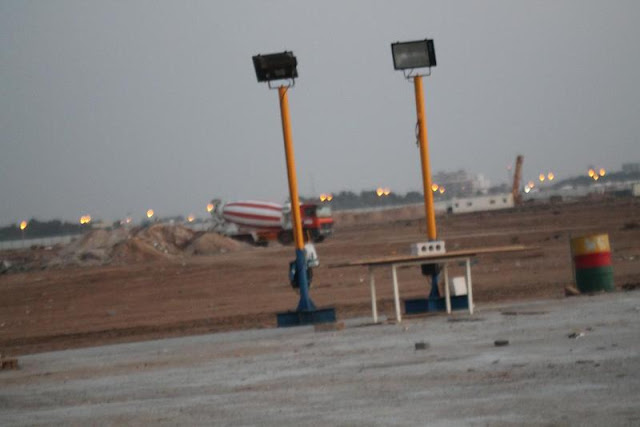 Picture of Bauer's construction equipment on the Kingdom Tower construction site