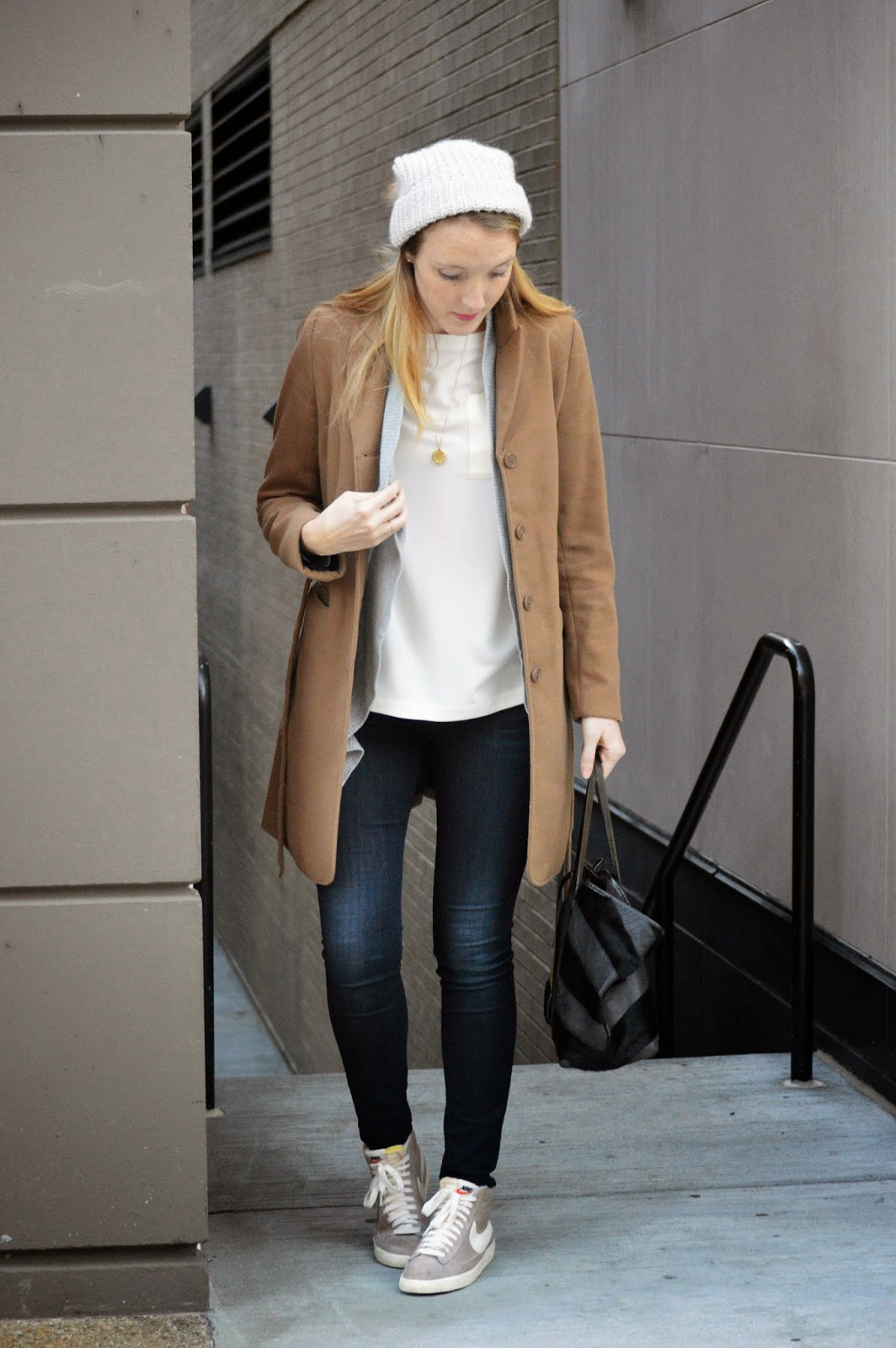 fall and winter travel outfit essentials