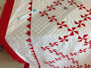 Marking cross-hatching for hand quilting