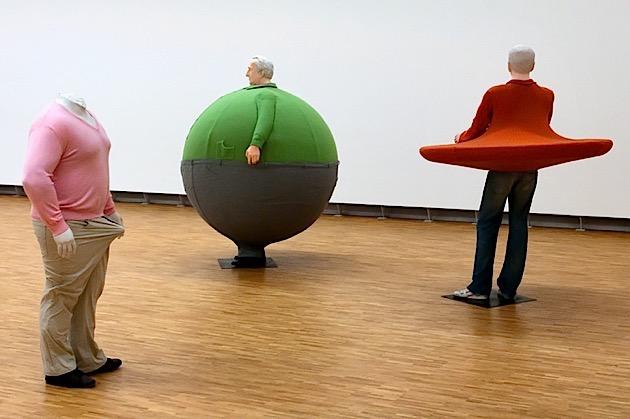 As curiosas esculturas de Erwin Wurm