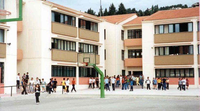 Χανιά: Μαθητές πήγαν στο σχολείο οπλισμένοι με σιδηρογροθιές, αλυσίδες και μαχαίρια