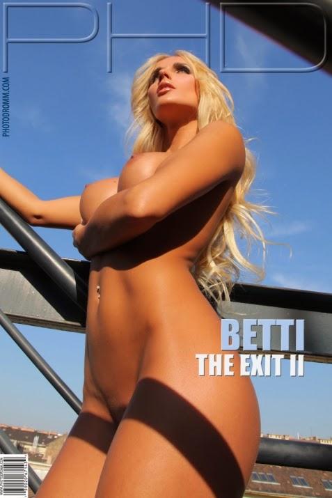 DortDromf 2014-07-29 Betti - The Exit 2 08280
