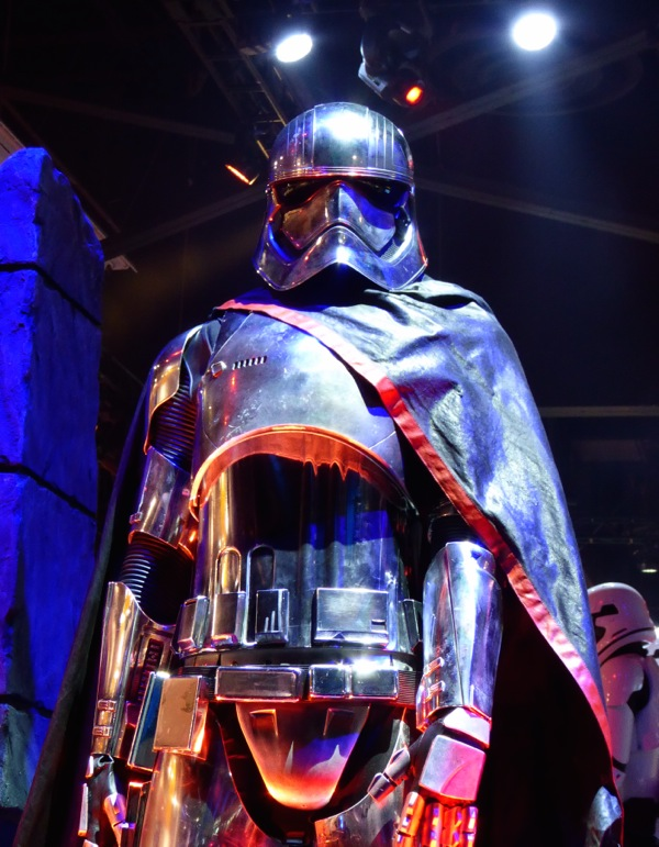 Captain Phasma armour Star Wars Force Awakens