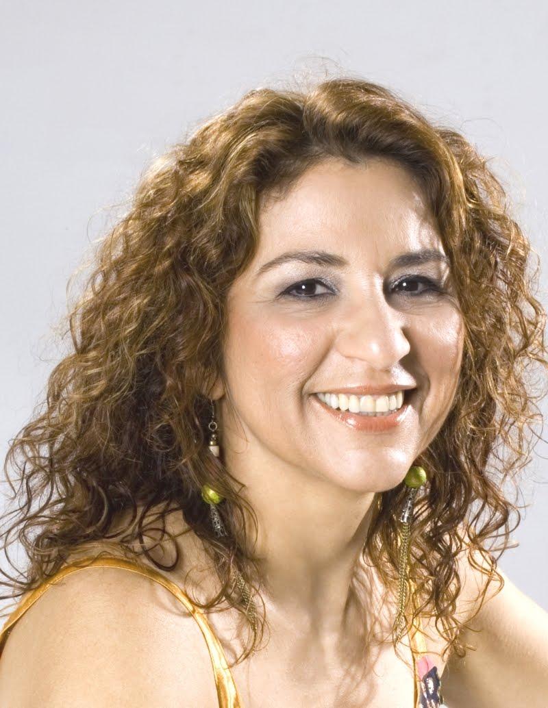 Resultado de imagem para cantora maria dapaz