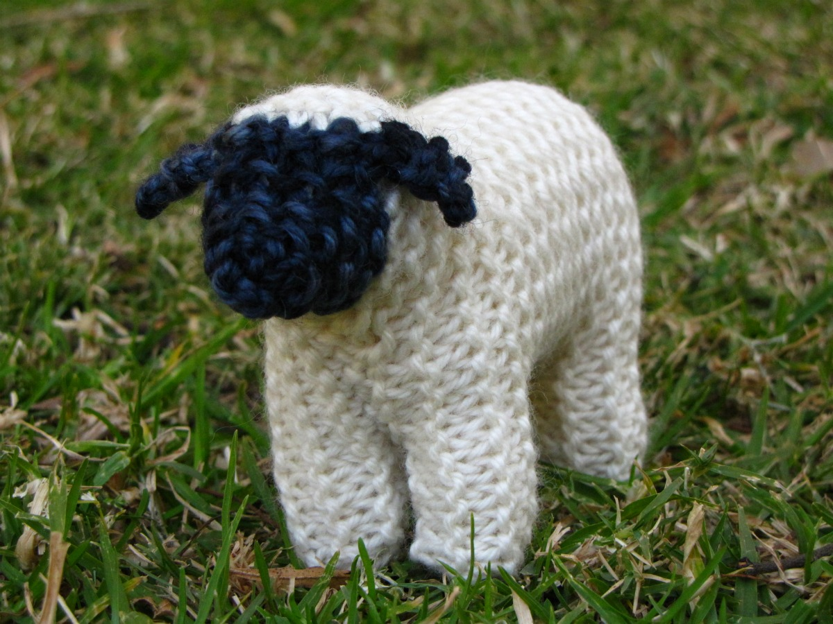 Suffolk Sheep Knitting Pattern and a Giveaway - Natural Suburbia