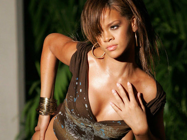 Rihanna Hot New HD Photos