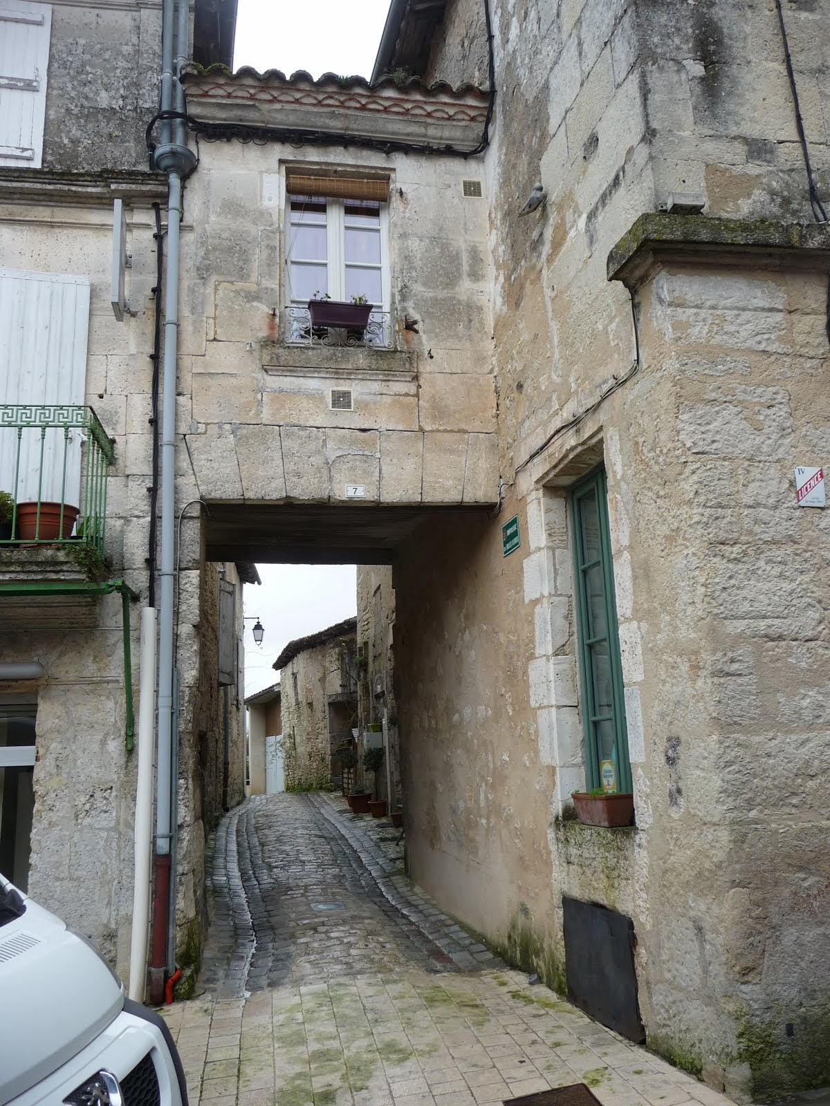 A laneway...somewhere in the the Aquitaine. I forget where