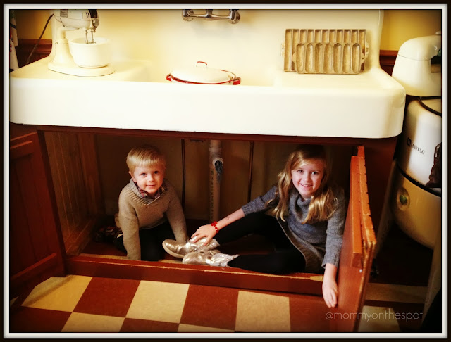A Christmas Story House Under the Sink Like Randy Mommy on the Spot