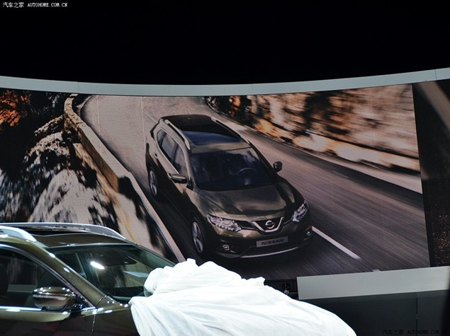 !: First Photos of New 2014 Nissan X-Trail and Rogue 7-Seater SUV