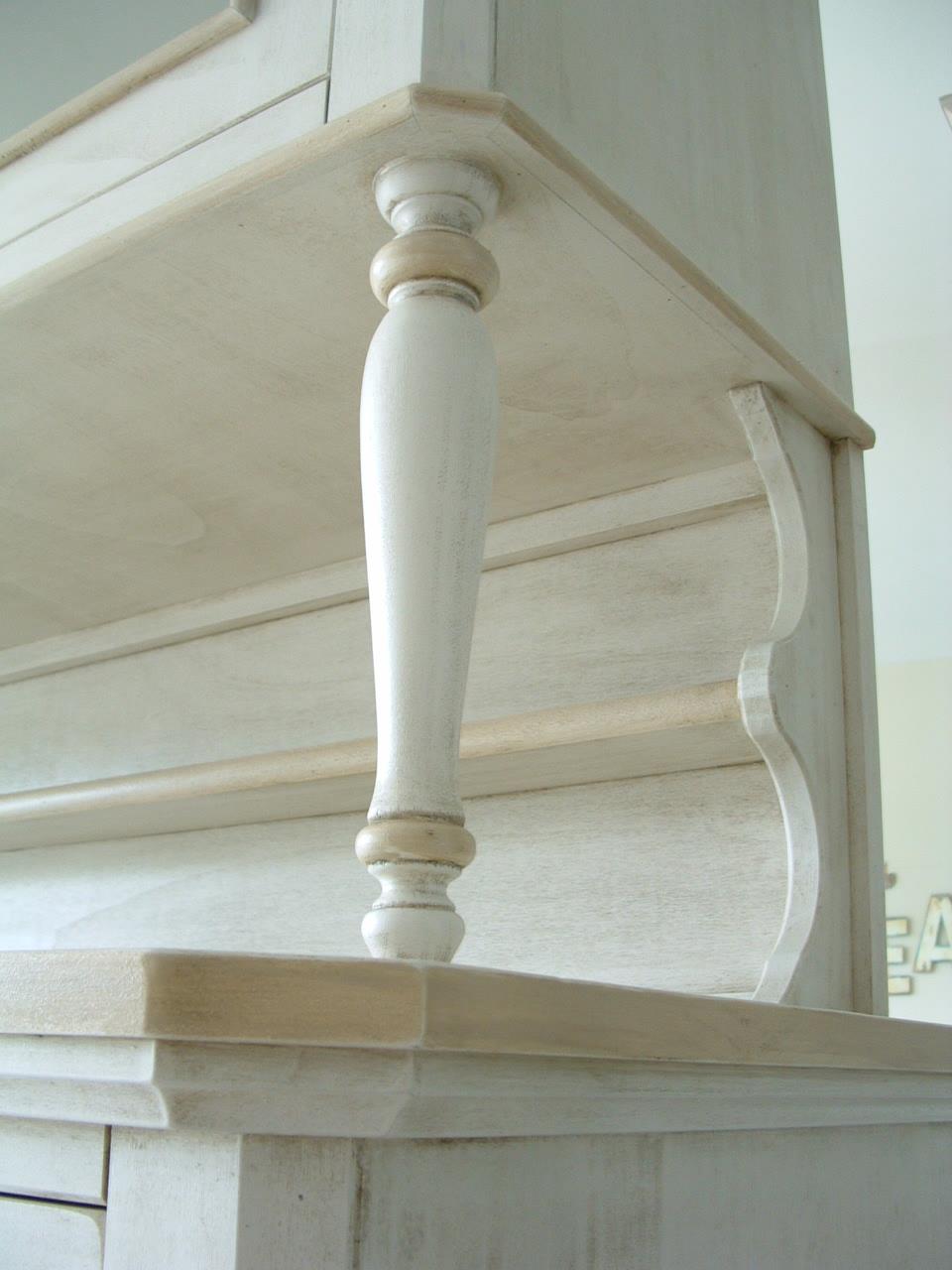 Una credenza da personalizzare shabby chic interiors - Mobili in legno grezzo da dipingere ...