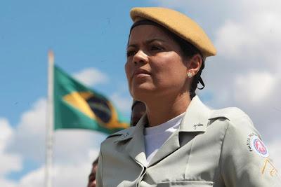 polícia feminina da bahia
