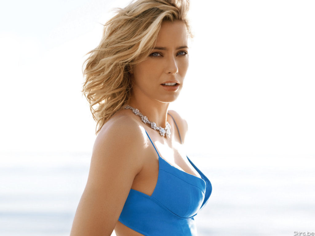 Tea Leoni - Picture Gallery