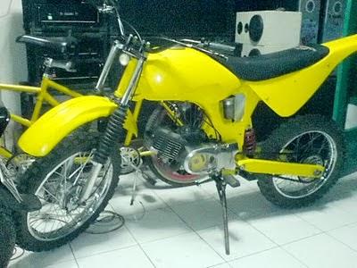 Modifikasi Suzuki A 100 Warna Kuning Modif Motor Suzuki Terbaru