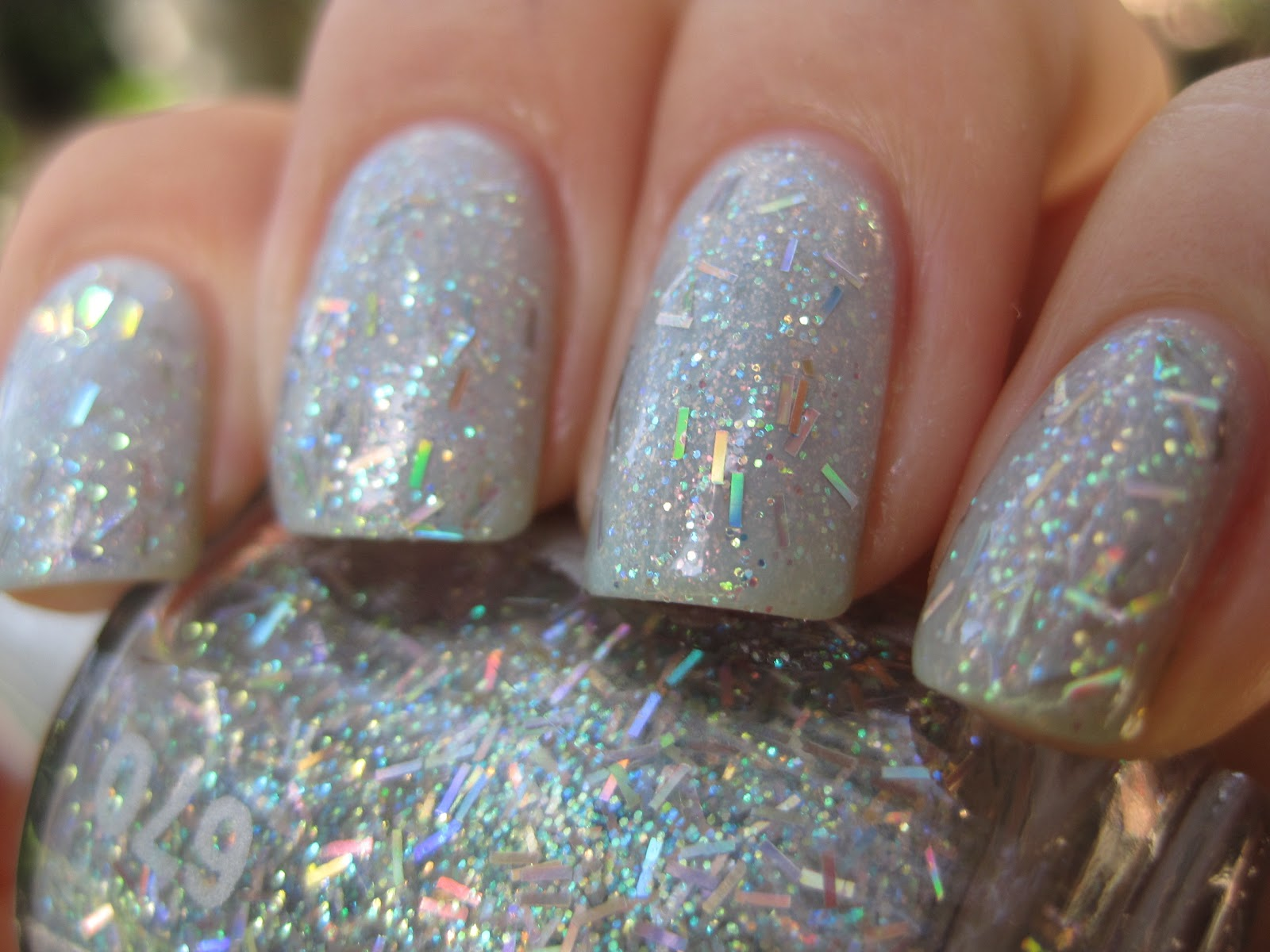2 coats sinful colors cinderella 1 coat chelsea 670 sprinkles surprises no topcoat in these pictures - Vernis Sinful Colors