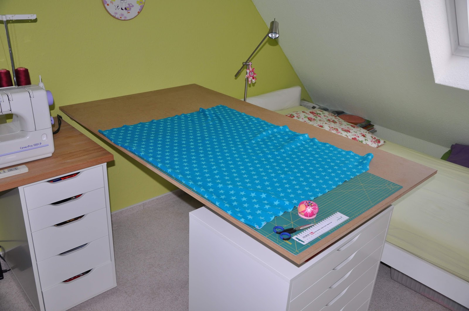 zuschneidetisch klappbar industrie werkzeuge. Black Bedroom Furniture Sets. Home Design Ideas