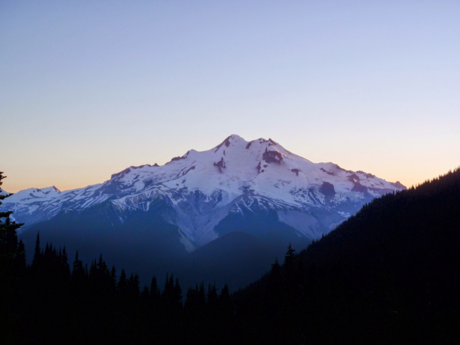 Glacier Peak from Buck Creek Pass @ the start of sunset.