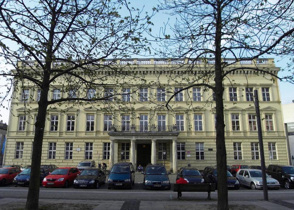 Valet De Chambre - Berlin Sketches Valet de Chambre builds Palais am Festungsgraben