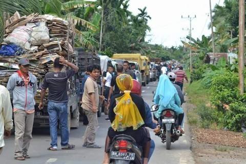 Ambo Tang Sebut Kadis PU Provinsi Jambi Ingkar Janji, Kenapa?