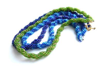 купить подарок девушке бисерное колье синее зеленое украина