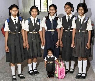 Jyoti Amge La mujer más pequeña del Mundo (Record Guiness India)