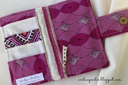 Carteira em tecido - compartimentos para cartões e dinheiro