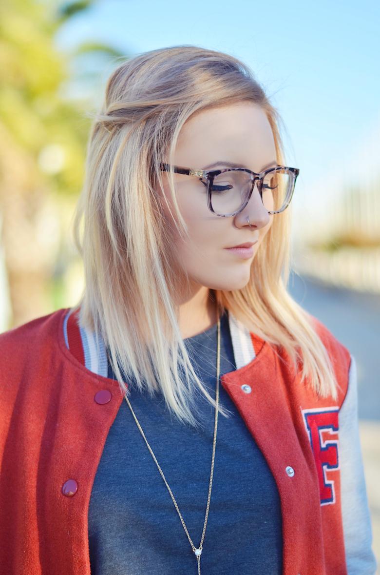 Outfit_College_Jacke_High_Waisted_Hose_ViktoriaSarina