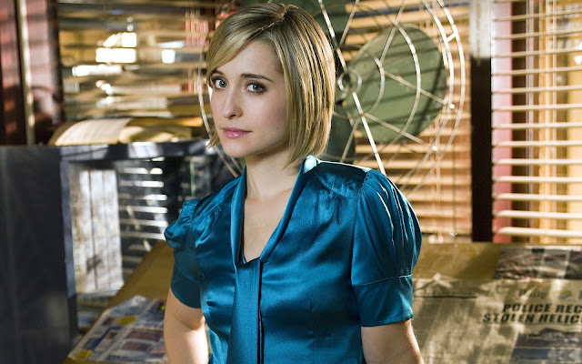 Allison Mack Best Awesome And Fabulous Images Hd Wallpapers Photos And