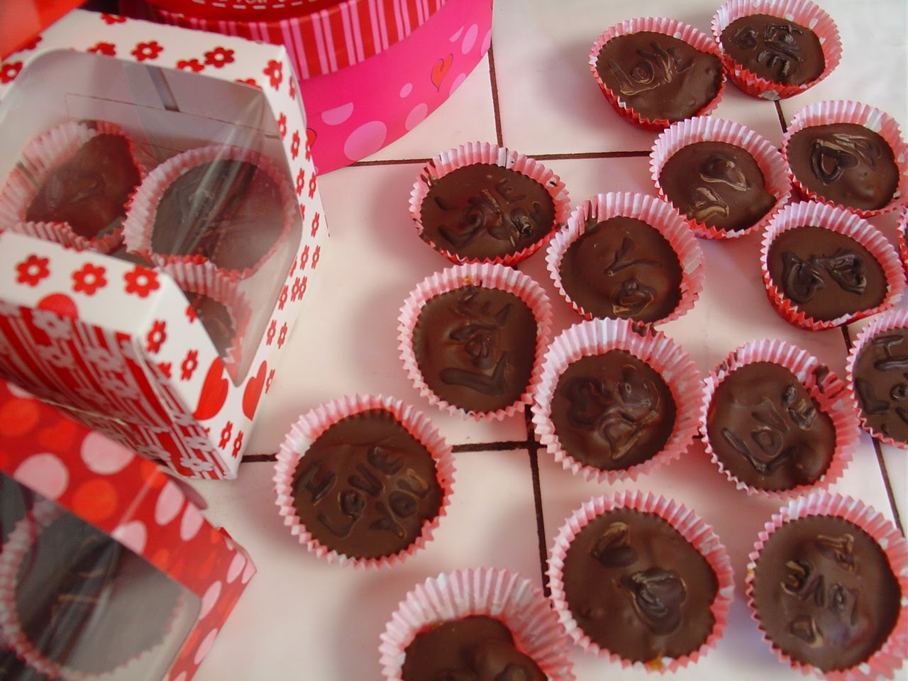 Valentine day chocolate HD wallpaper | Chocolate Pictures and ...