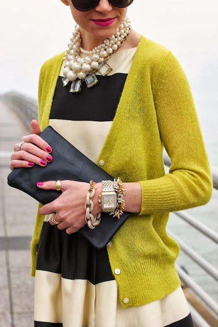 street style: bold pearls necklace with stripe dress