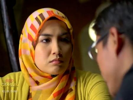 Pelakon Sehangat Asmara