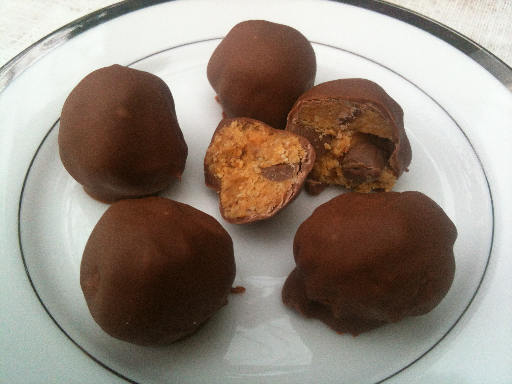Paleo Chocolte Chip Cookie Dough Truffles