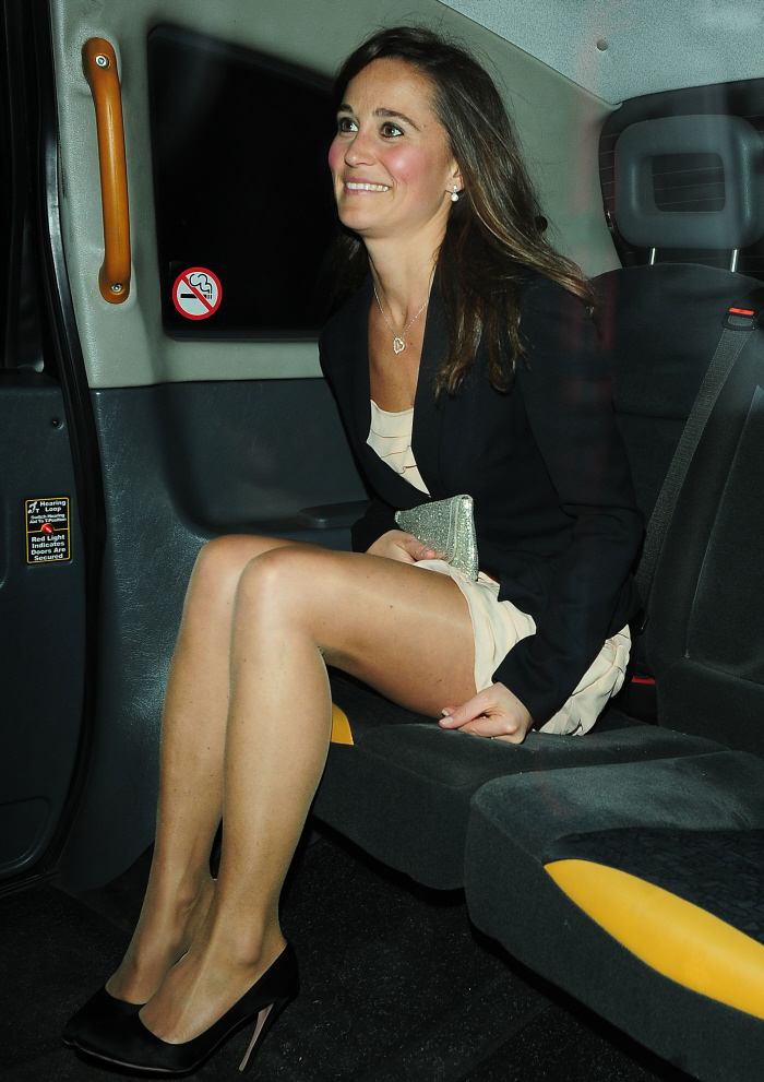 taboo-sex-ladies-upskirt-tights-noud