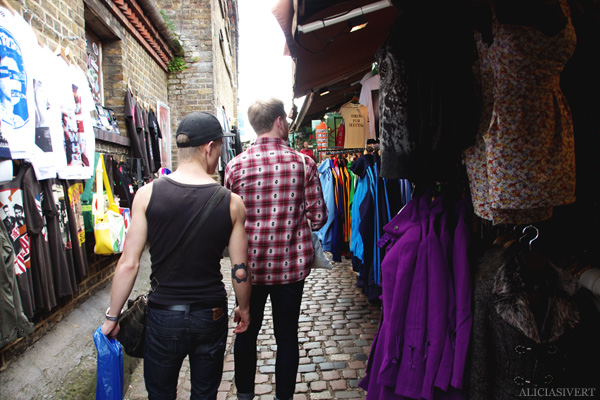 aliciasivert, alicia sivertsson, london med grabbarna, england, camden town, camden lock markets, horse tunnel market, marknad,
